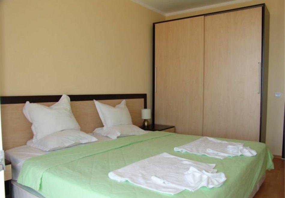 Нощувка за 5-ма в апартамент с гледка море + басейн от хотел Руби, Слънчев бряг, снимка 10