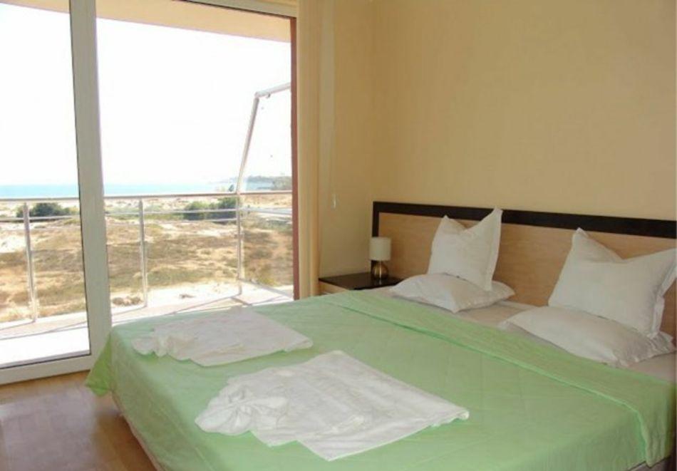 Нощувка за 5-ма в апартамент с гледка море + басейн от хотел Руби, Слънчев бряг, снимка 9