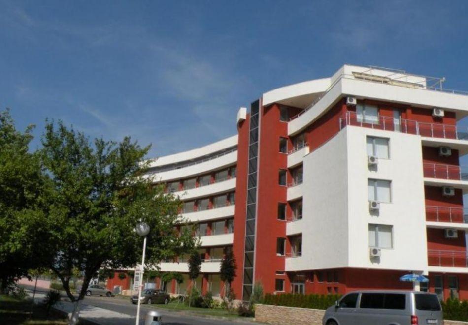 Нощувка за 5-ма в апартамент с гледка море + басейн от хотел Руби, Слънчев бряг, снимка 3