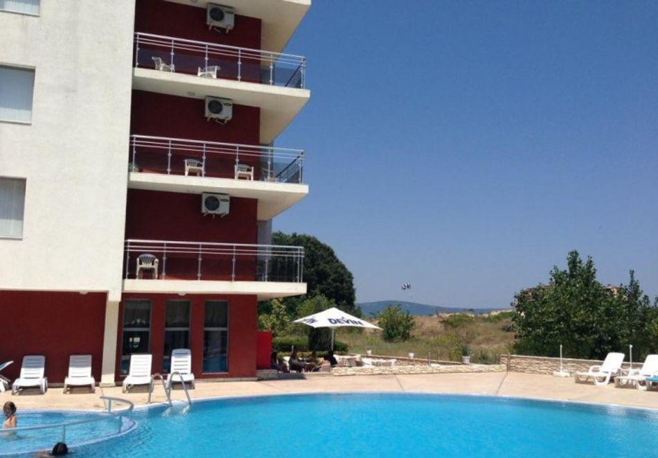 Нощувка за 5-ма в апартамент с гледка море + басейн от хотел Руби, Слънчев бряг, снимка 4