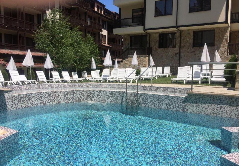 2 или 3 нощувки на човек на база All inclusive light + външен и вътрешен басейн, сауна и парна баня от хотел Мария Антоанета, Банско, снимка 10