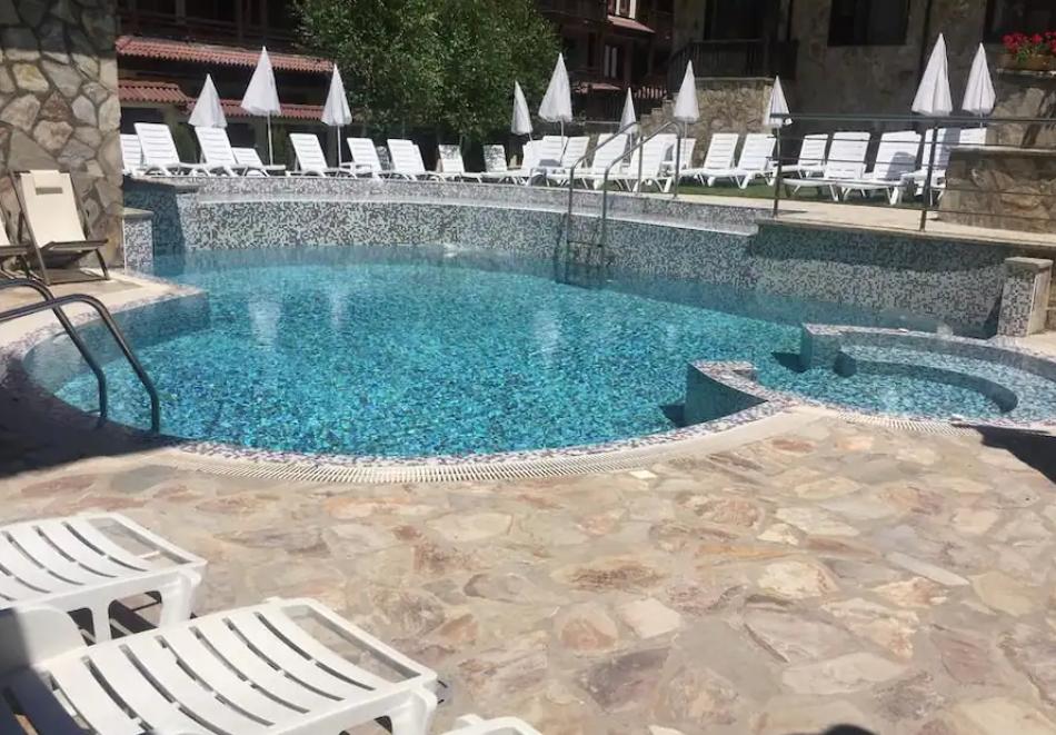 2 или 3 нощувки на човек на база All inclusive light + външен и вътрешен басейн, сауна и парна баня от хотел Мария Антоанета, Банско, снимка 11