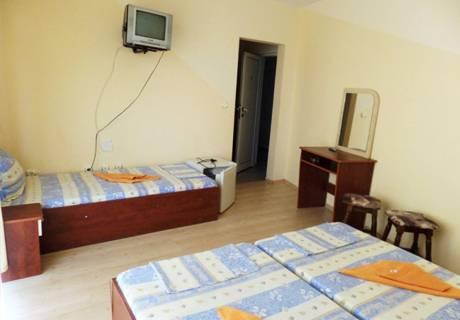 Къща за гости Айсберг, Равда, снимка 9