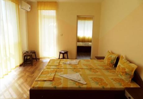 Къща за гости Айсберг, Равда, снимка 7