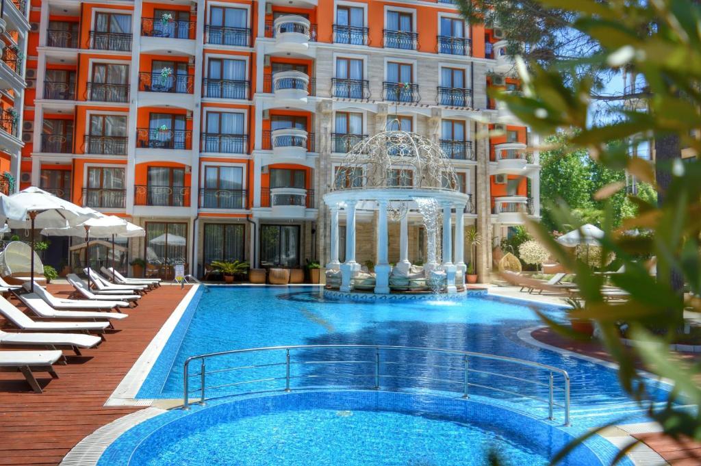 Нощувка на човек + басейн и джакузи в хотел Хармони Палас, Слънчев бряг, снимка 7