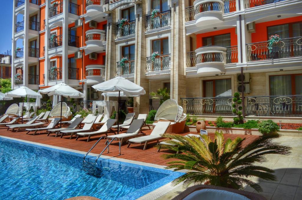 Нощувка на човек + басейн и джакузи в хотел Хармони Палас, Слънчев бряг, снимка 6