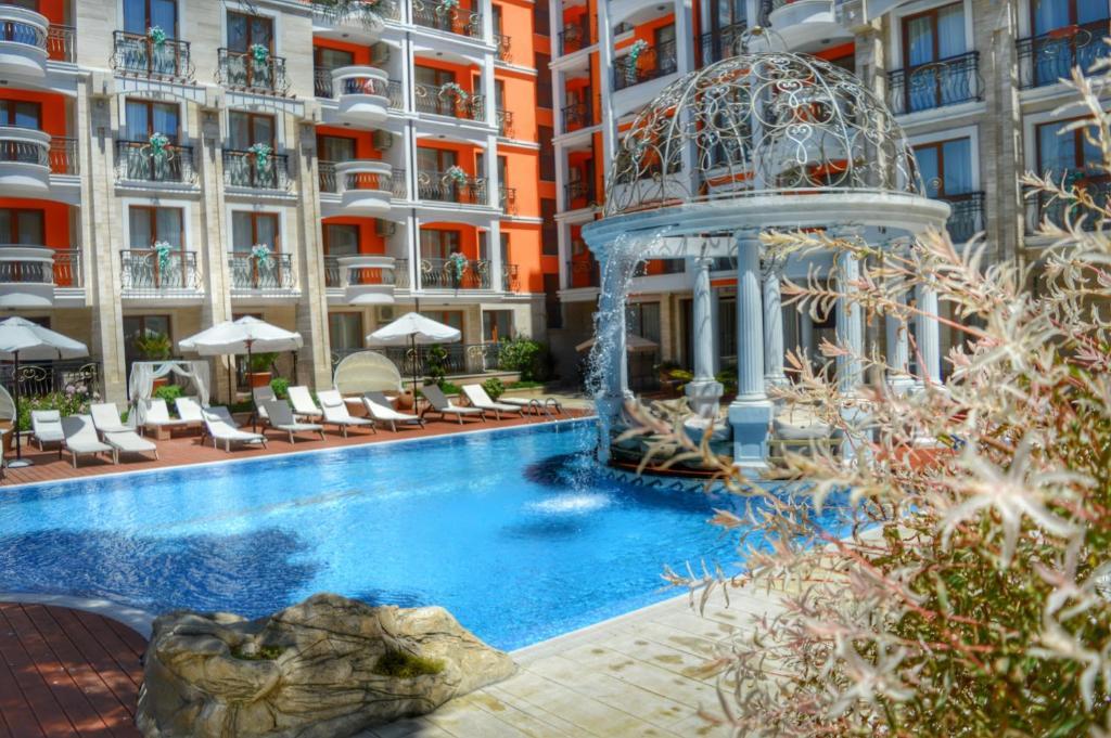 Нощувка на човек + басейн и джакузи в хотел Хармони Палас, Слънчев бряг, снимка 3