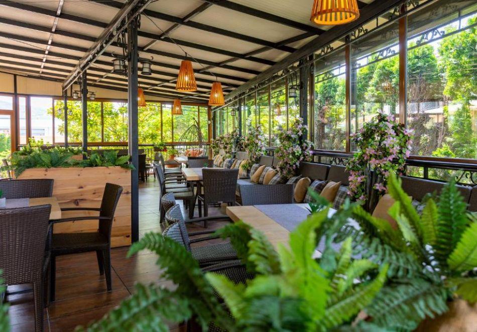 Късно лято в Свети Влас. Нощувка със закуска на човек+ басейн в хотел Джулия***, снимка 19