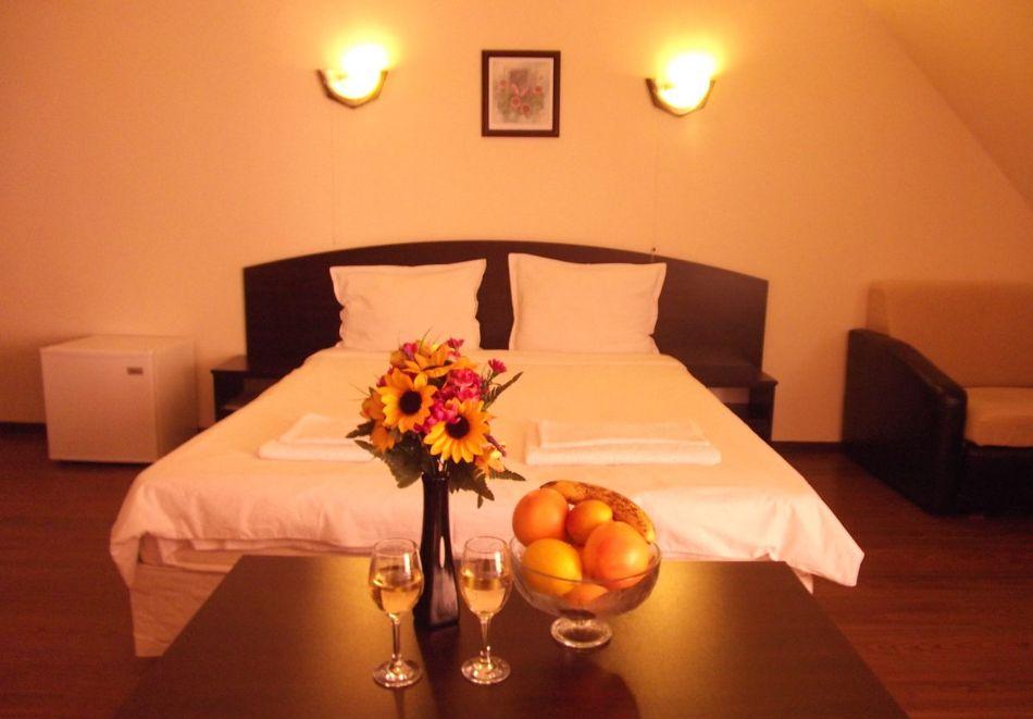 Почивка в Родопите! Нощувка на човек със закуска и вечеря в хотел Енчеви, с. Кирково, на 8 км. от Гърция, снимка 7