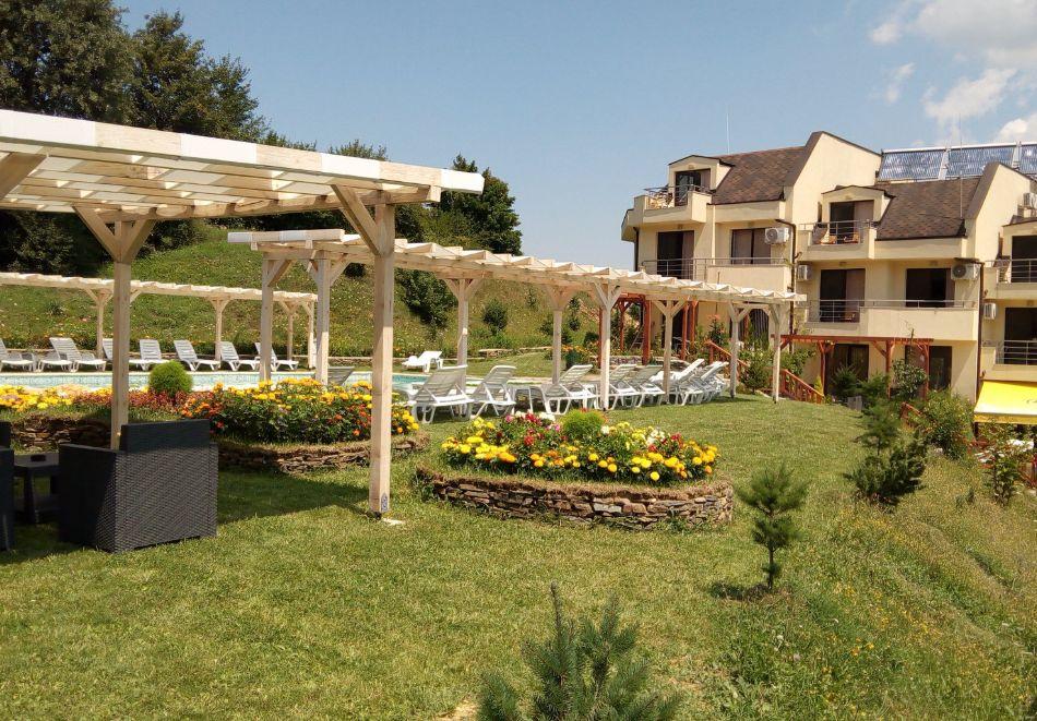 Почивка в Родопите! Нощувка на човек със закуска и вечеря в хотел Енчеви, с. Кирково, на 8 км. от Гърция, снимка 15