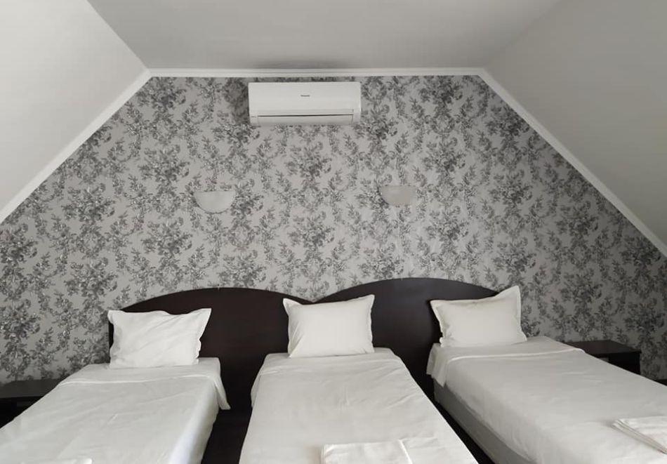 Почивка в Родопите! Нощувка на човек със закуска и вечеря в хотел Енчеви, с. Кирково, на 8 км. от Гърция, снимка 9