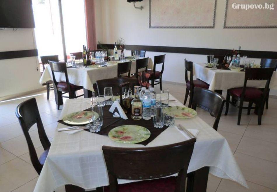 Почивка в Родопите! Нощувка на човек със закуска и вечеря в хотел Енчеви, с. Кирково, на 8 км. от Гърция, снимка 10