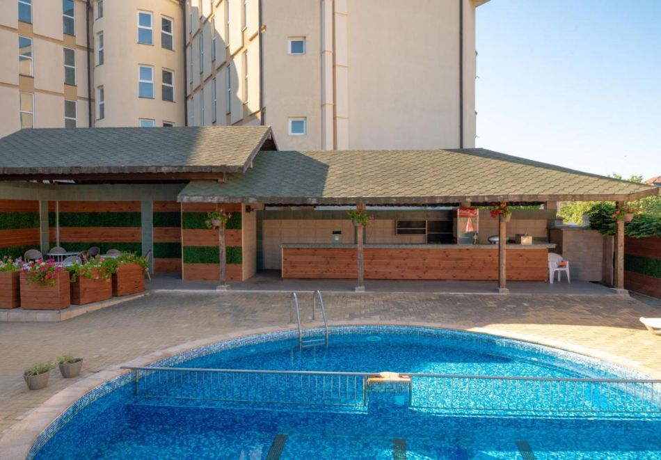 Лято в Константин и Елена! Нощувка на човек на база All Inclusive + басейн от хотел Аврора***, снимка 3