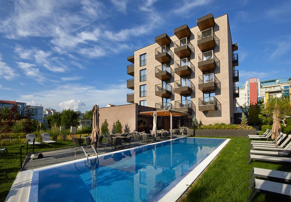 Нощувка за двама или четирима + басейн в хотел Амара Шугар, Слънчев бряг, снимка 4