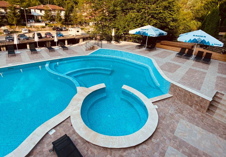 1 или 2 нощувки на човек със закуски и вечери + минерален басейн и релакс зона в обновения хотел Алфарезорт Палас, Чифлика, снимка 5