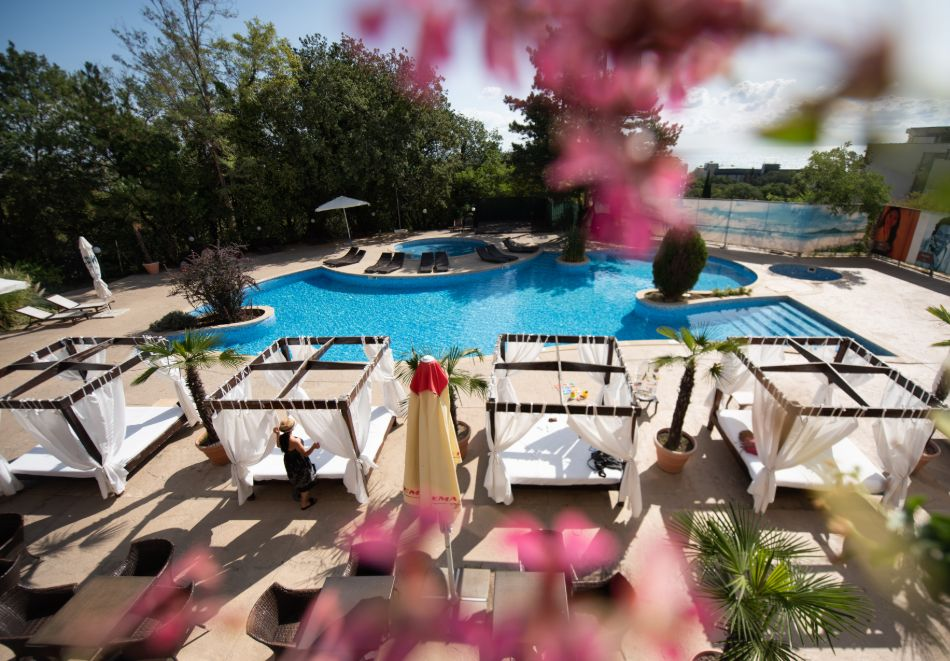 Нощувка на човек на базаUltra All Inclusive + басейн, чадър и шезлонг на плажа от хотел Аполо Спа Ризорт, Златни Пясъци. Дете до 11.99г. БЕЗПЛАТНО!, снимка 3