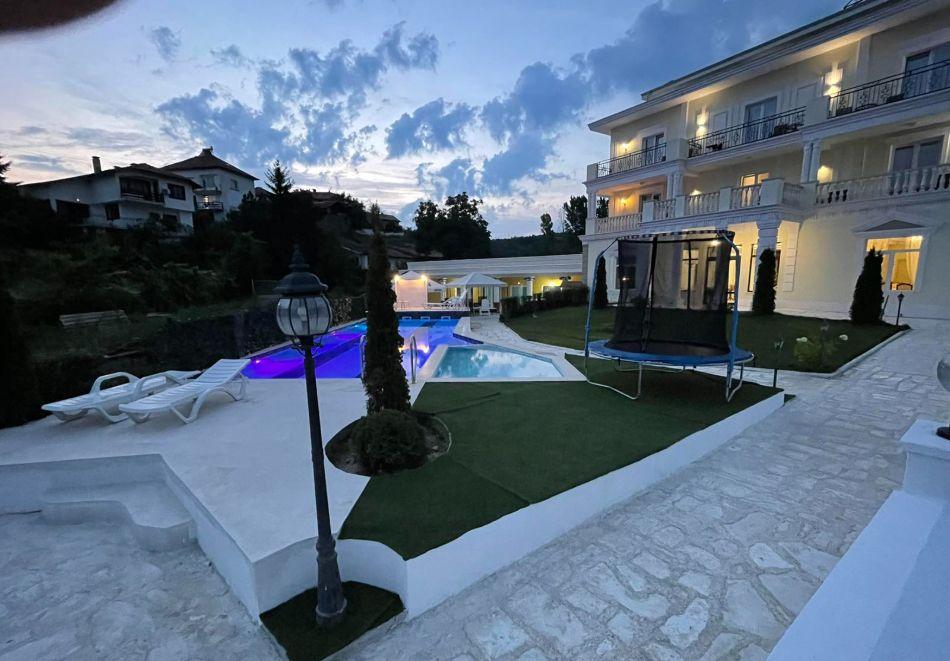 Нощувка на човек със закуска и вечеря + басейн с минерална вода и релакс зона от хотел Алексион Палас, Огняново, снимка 22