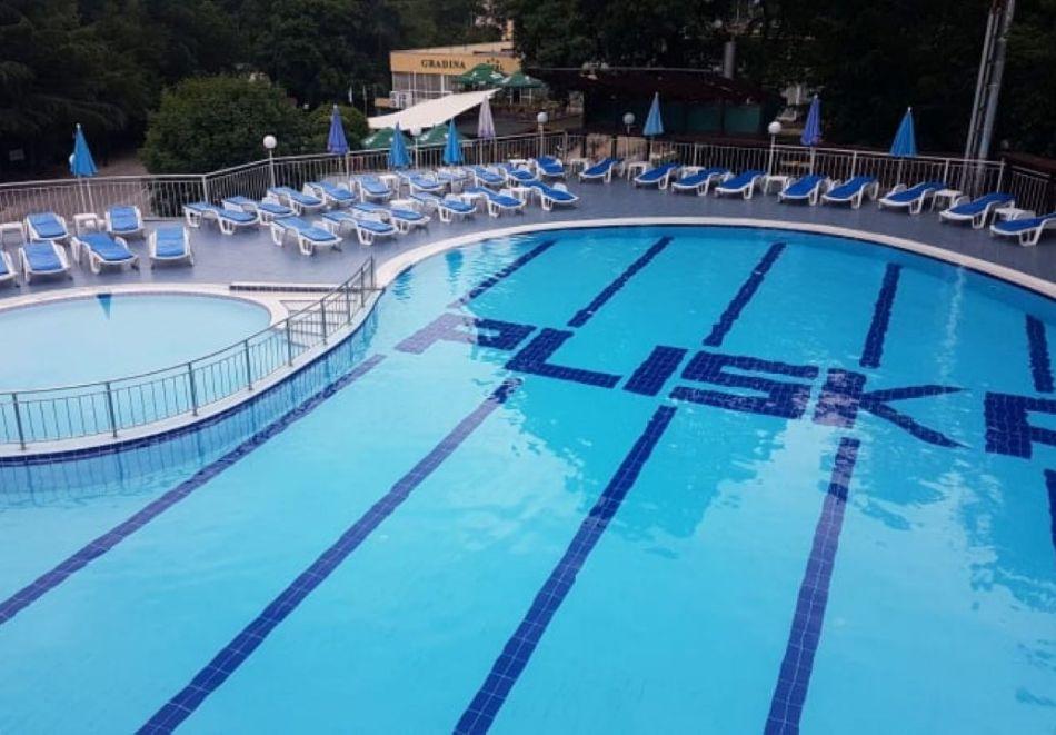 Нощувка на човек на база All Inclusive + топъл вътрешен басейн и релакс зона в хотел Плиска***, Златни пясъци. Дете до 12г. - БЕЗПЛАТНО!, снимка 2