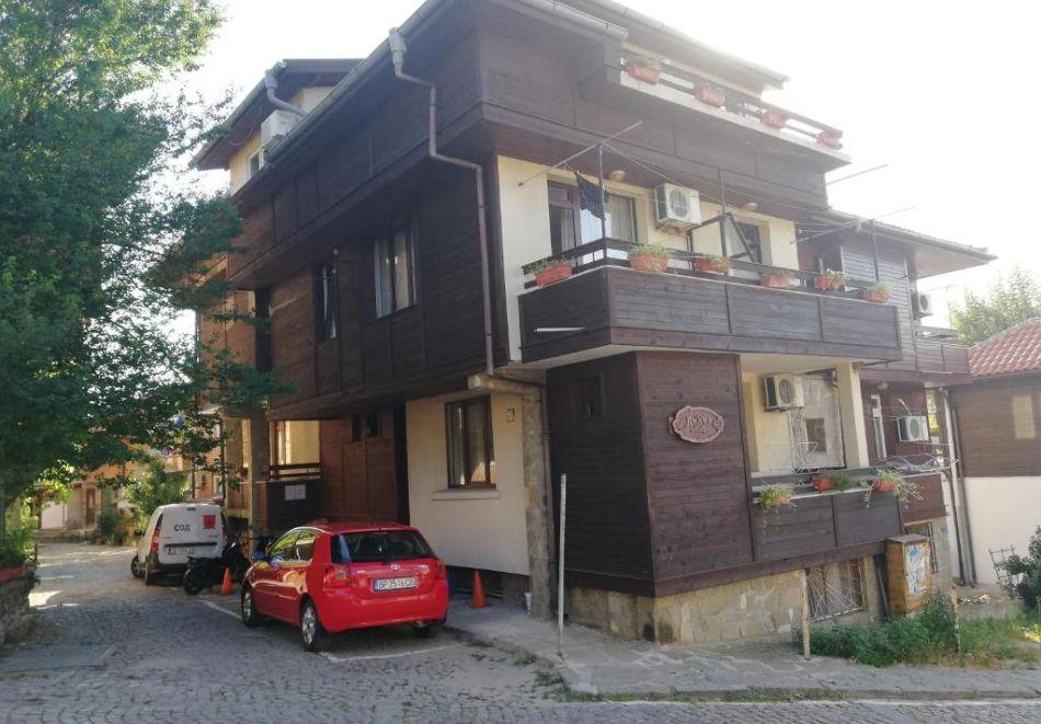 Септември в Созопол! Нощувка на човек в Къща за гости Лилия, снимка 5