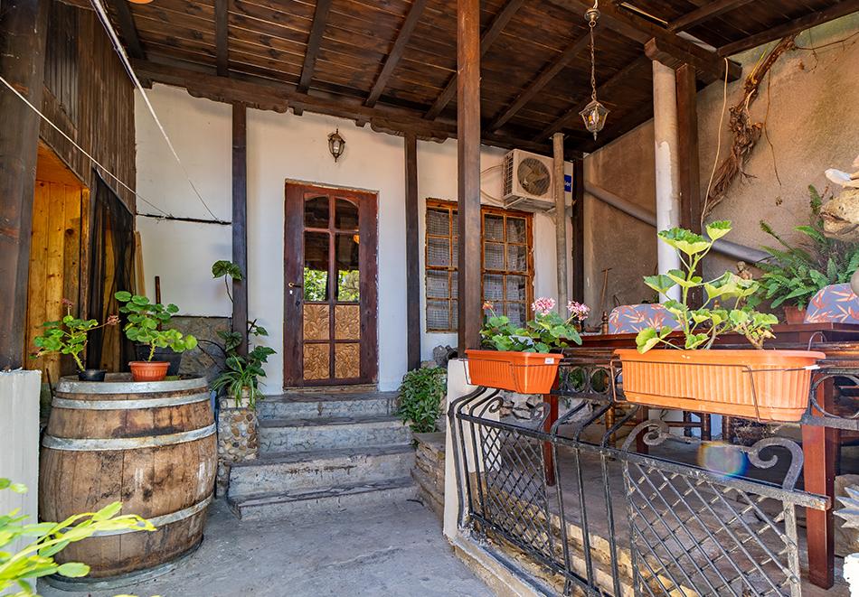 Нощувка на човек от Винената къща, Велико Търново, снимка 20