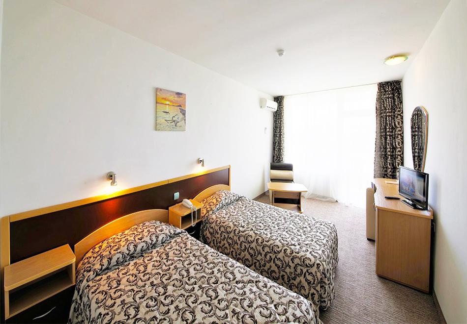 Нощувка на човек на база All inclusive + басейн и СПА в хотел Шипка 4*, к.к. Златни Пясъци, снимка 7