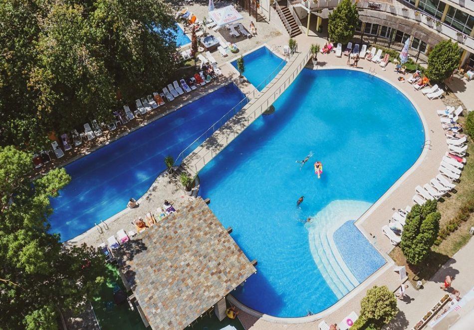 Нощувка на човек на база All Inclusive + басейн от Гранд хотел Оазис, само на 80 м. от плажа в Слънчев Бряг. БЕЗПЛАТНО - дете до 11.99г., снимка 6