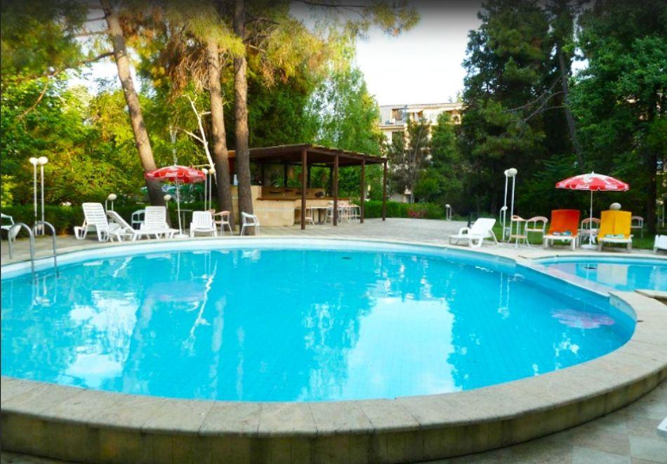 Нощувка на човек на база All inclusive + басейн в Парк хотел Оазис***, на първа линия в Несебър. Дете до 11.99г. - БЕЗПЛАТНО, снимка 3