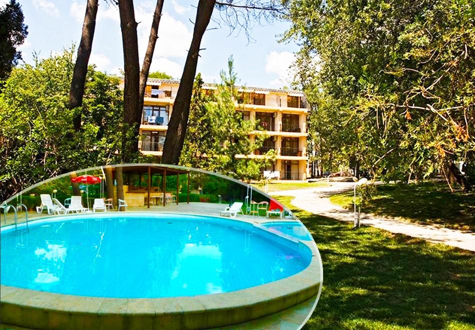 Нощувка на човек на база All inclusive + басейн в Парк хотел Оазис***, на първа линия в Несебър. Дете до 11.99г. - БЕЗПЛАТНО, снимка 2