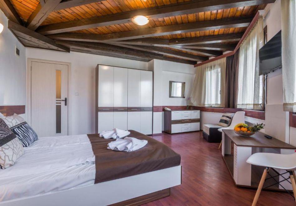 Нощувка на човек на база All Inclusive + вътрешен басейн и релакс пакет от хотел Грами***, Банско, снимка 6