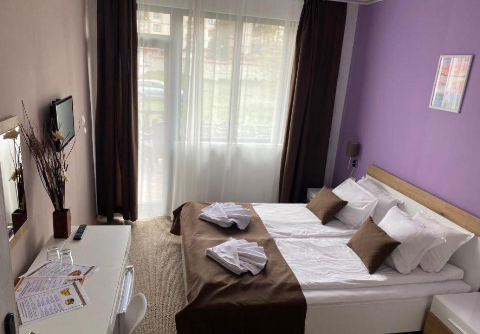 Нощувка на човек на база All Inclusive + вътрешен басейн и релакс пакет от хотел Грами***, Банско, снимка 4