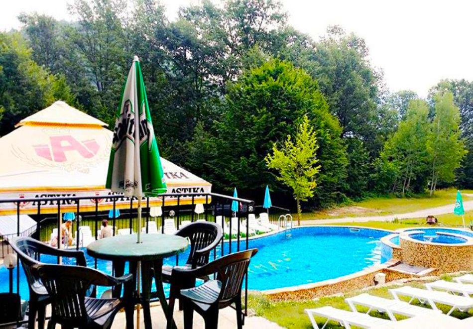 Релакс край Априлци! Нощувка на човек със закуска и вечеря + басейн от хотел Велена***, с. Велчево, снимка 4