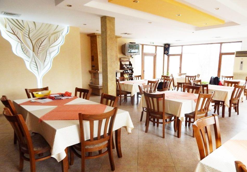 Релакс край Априлци! Нощувка на човек със закуска и вечеря + басейн от хотел Велена***, с. Велчево, снимка 10
