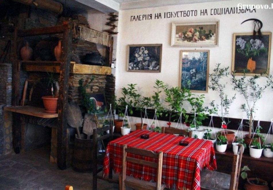 Нощувка на човек със закуска и вечеря + вътрешен басейн с минерална вода, джакузи и сауна в Алексова къща, Огняново, снимка 17