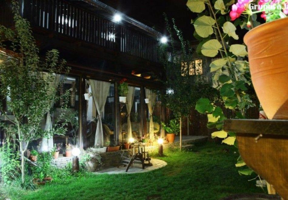 Нощувка на човек със закуска и вечеря + вътрешен басейн с минерална вода, джакузи и сауна в Алексова къща, Огняново, снимка 28