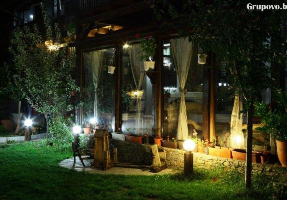 Нощувка на човек със закуска и вечеря + вътрешен басейн с минерална вода, джакузи и сауна в Алексова къща, Огняново, снимка 27
