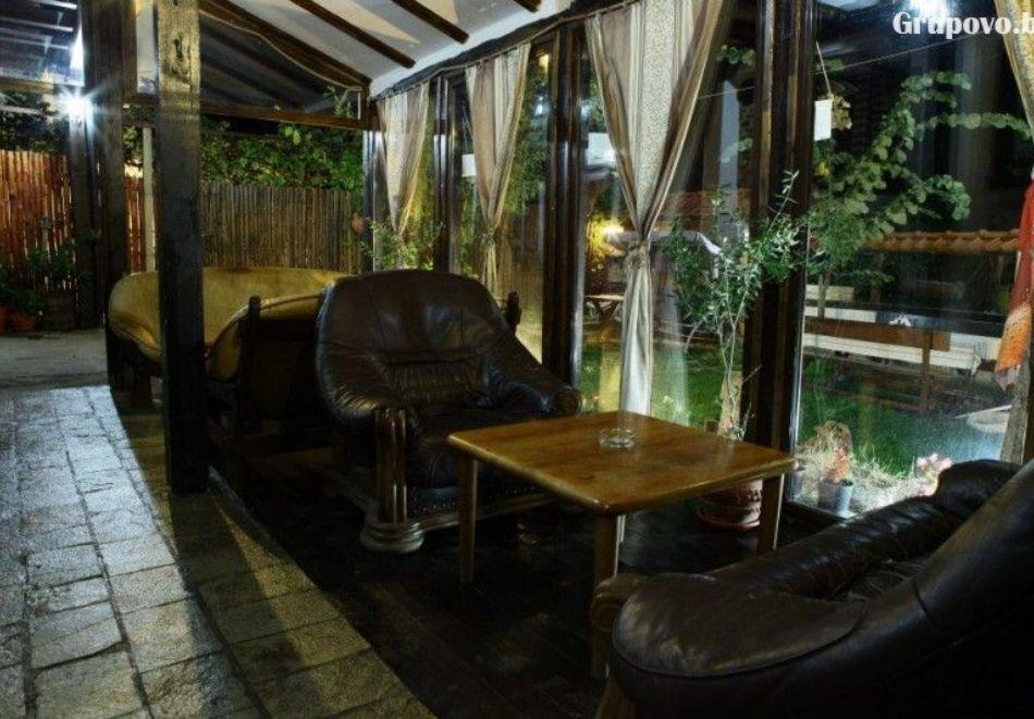 Нощувка на човек със закуска и вечеря + вътрешен басейн с минерална вода, джакузи и сауна в Алексова къща, Огняново, снимка 22