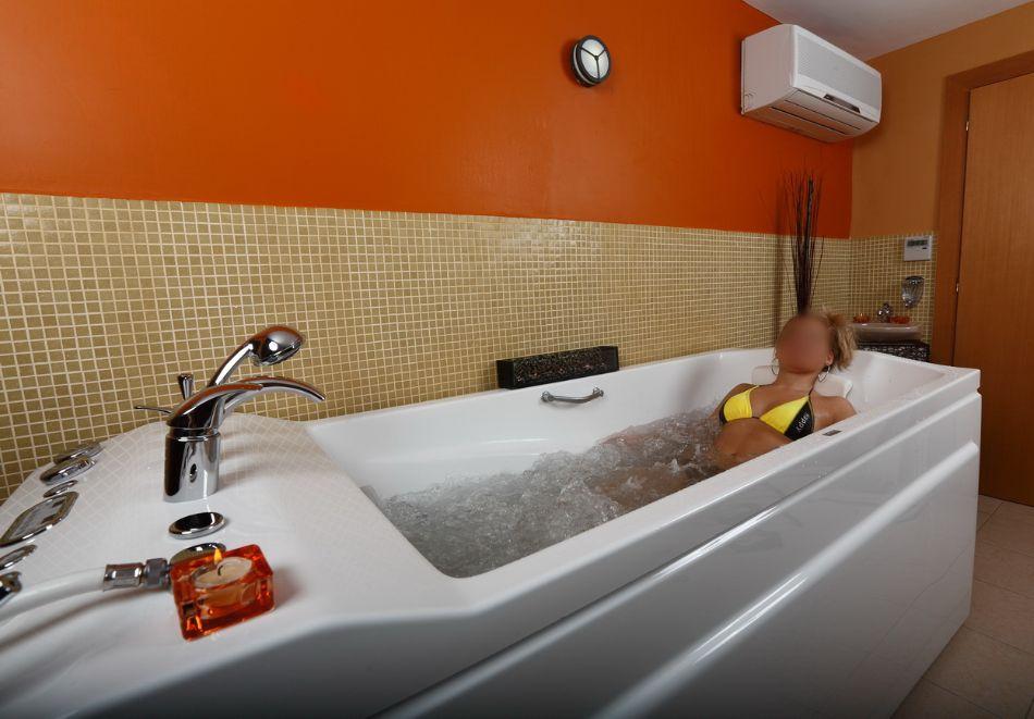 Нощувка на човек + минерален басейн и релакс зона от хотел Евридика, Девин, снимка 8