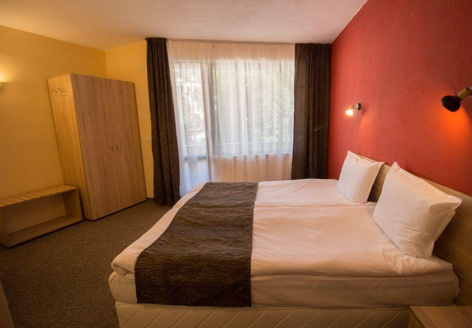 Нощувка на човек + минерален басейн и релакс зона от хотел Евридика, Девин, снимка 14