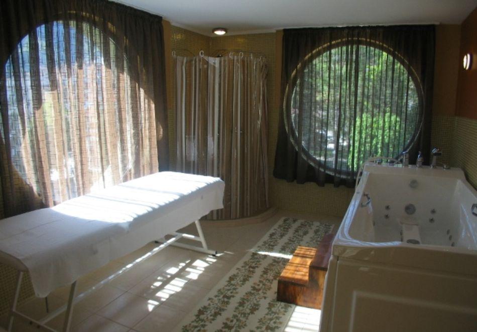 Нощувка на човек + минерален басейн и релакс зона от хотел Евридика, Девин, снимка 10