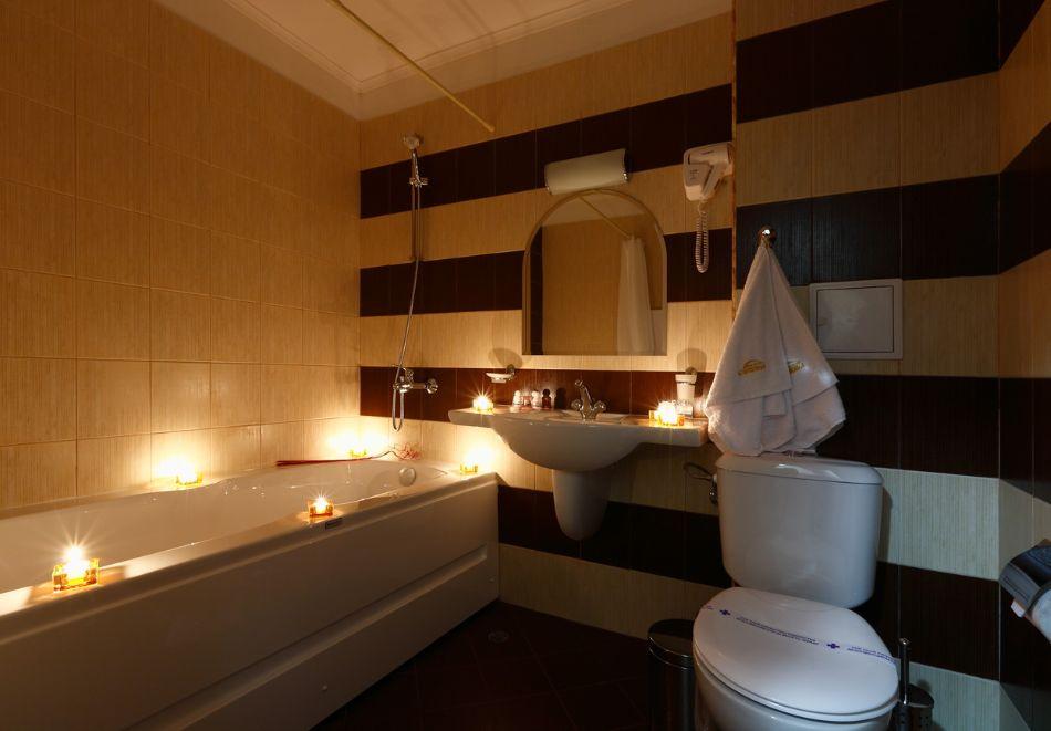 Нощувка на човек + минерален басейн и релакс зона от хотел Евридика, Девин, снимка 16
