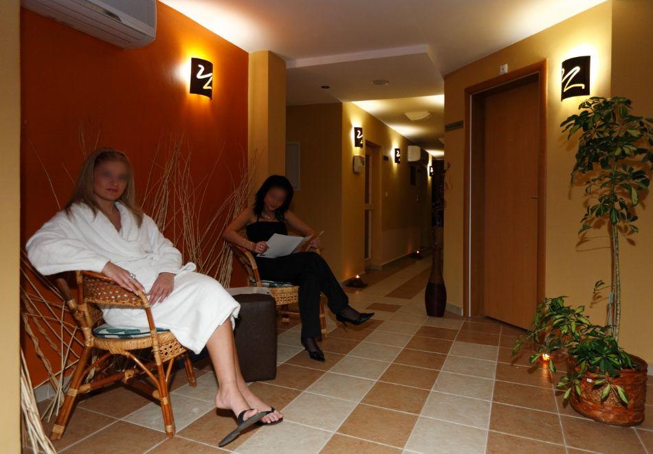 Нощувка на човек + минерален басейн и релакс зона от хотел Евридика, Девин, снимка 7