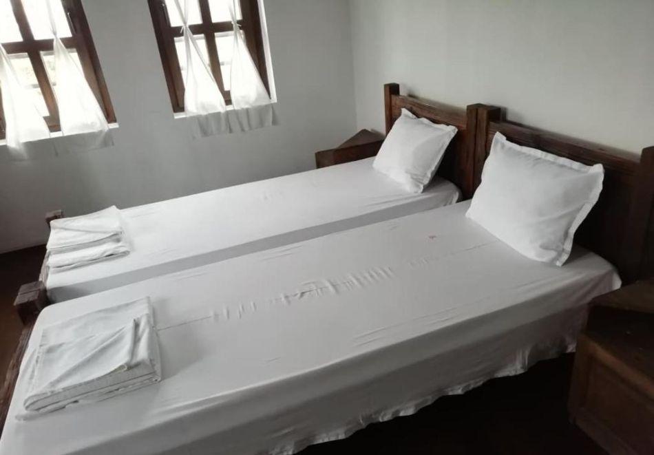 Релакс в Калофер! 2 + нощувки за до 20 души + ползване на кухня и механа в хотел Калифер, снимка 9