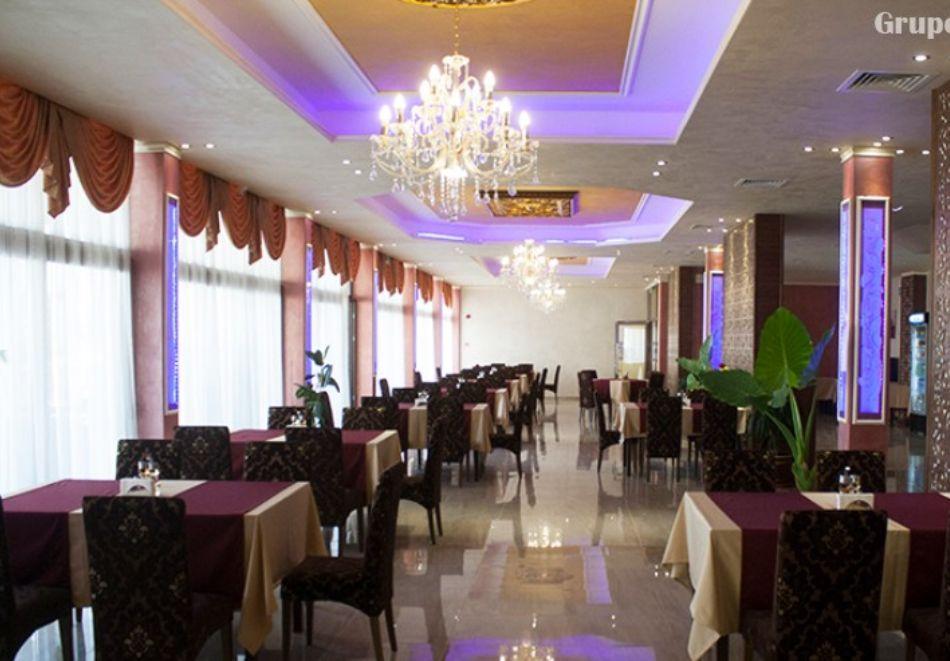 Нощувка със закуска и вечеря на човек + минерален басейн и релакс пакет в хотел Парадайс, с. Огняново, снимка 9