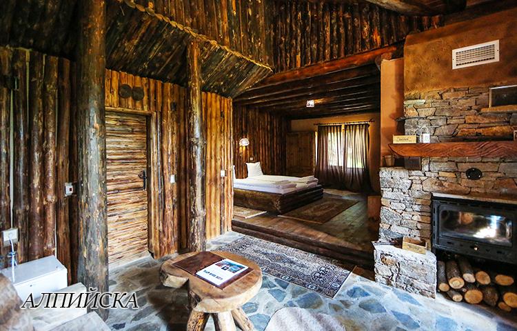 Нощувка в еко къщичка със закуска на човек + басейн с минерална вода и релакс зона от хотел Роял Валентина Касъл, Огняново, снимка 7