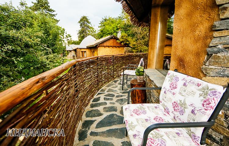 Нощувка в еко къщичка със закуска на човек + басейн с минерална вода и релакс зона от хотел Роял Валентина Касъл, Огняново, снимка 18