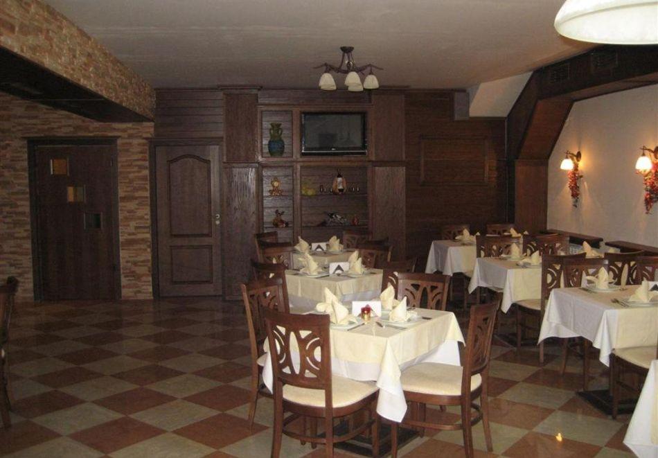 2+ нощувки със закуски за двама или за цялото семейство от Бутиков хотел Офир, Сандански, снимка 5
