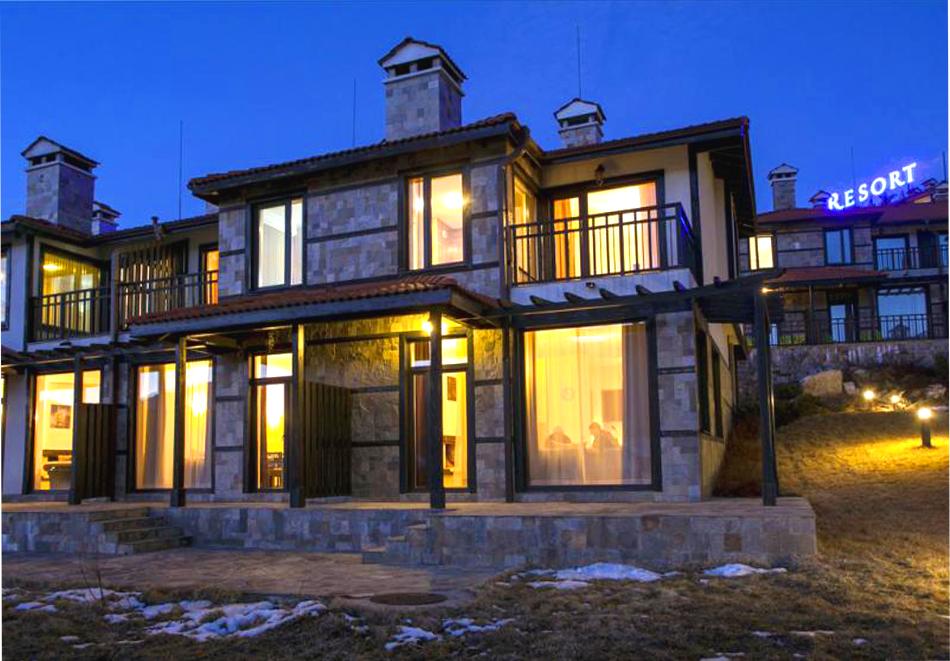 Коледа в къщи за гости КООП Добринище! 1 или 3 нощувки до 5 човека, настанени в самостоятелна двуетажна вила, снимка 2
