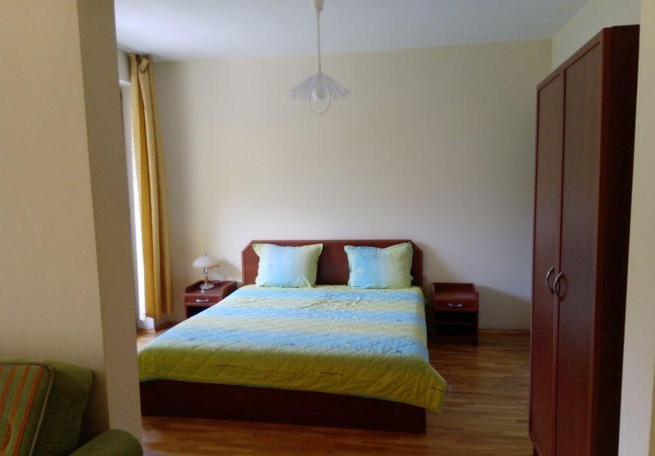 Нощувка на човек в хотел Форест Спрингс, Нареченски минерални бани, снимка 4
