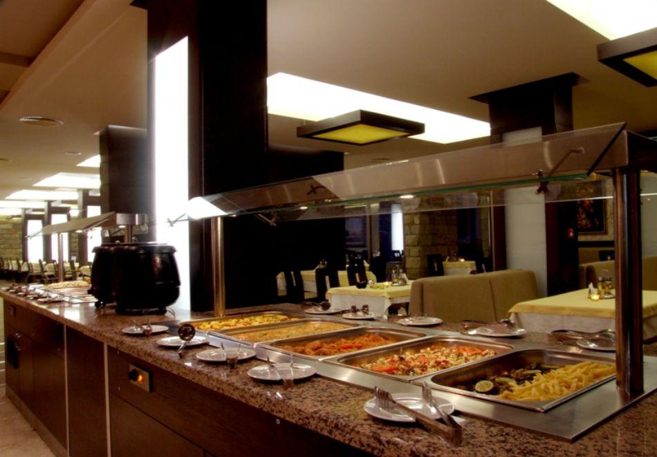 Нова година в Банско! 3 или 4 нощувки на човек със закуски и вечери, едната празнична + басейн и СПА в Парк хотел Гардения****, снимка 12
