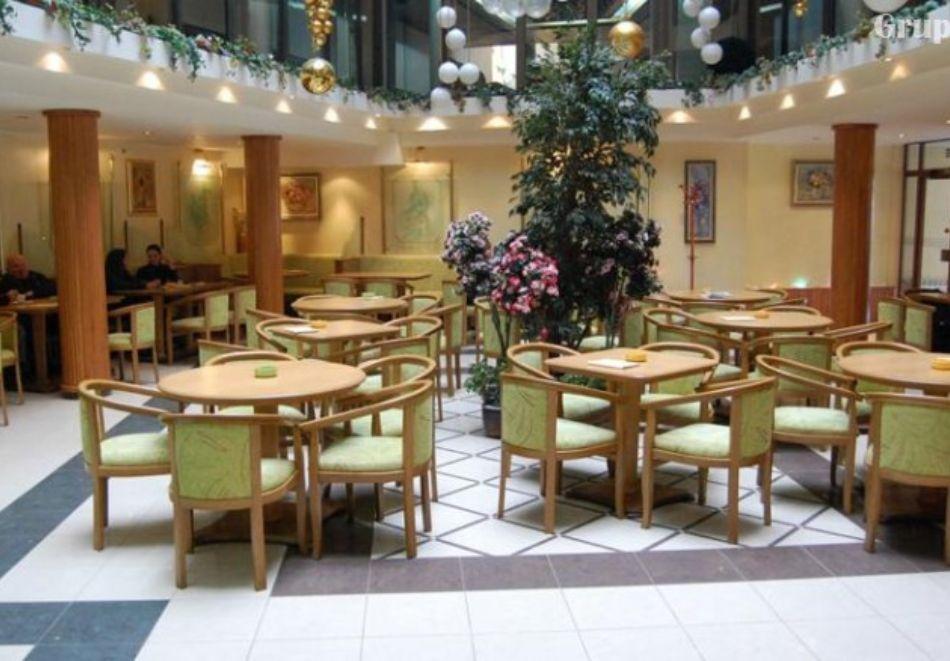 Нова година в хотел Трявна! 2, 3 или 4 нощувки на човек със закуски и вечери, едната празнична + релакс зона, снимка 4